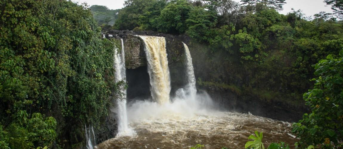Rainbow Falls und Akaka Falls
